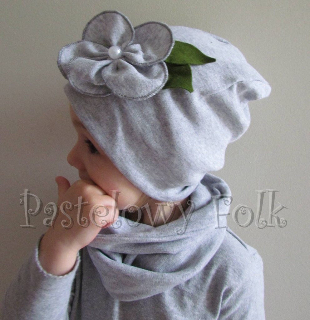 dziecko-czapka 60B-dzianinowa dziecieca szara beanie retro szary kwiat komin komplet-01