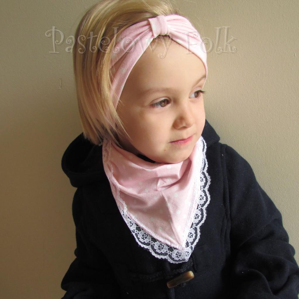 dziecko-opaska 23- dla dziewczynki różowa w białe kropki groszki dzianinowa-02