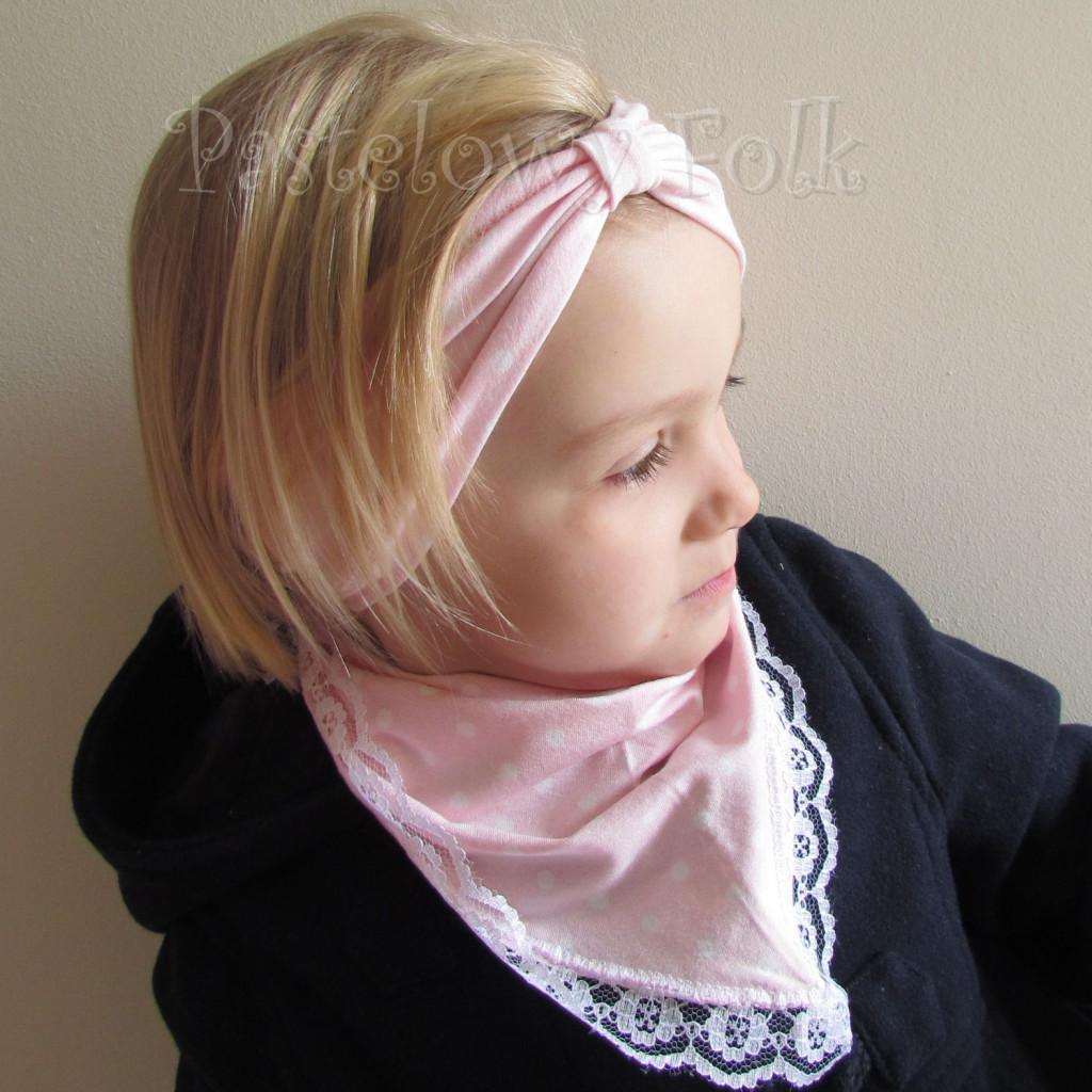 dziecko-opaska 23- dla dziewczynki różowa w białe kropki groszki dzianinowa-05