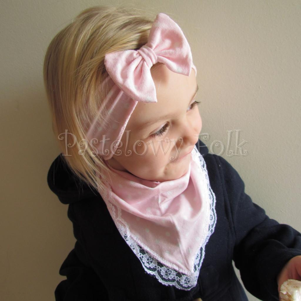 dziecko-opaska 24- dla dziewczynki różowa w białe kropki groszki dzianinowa kokarda -03
