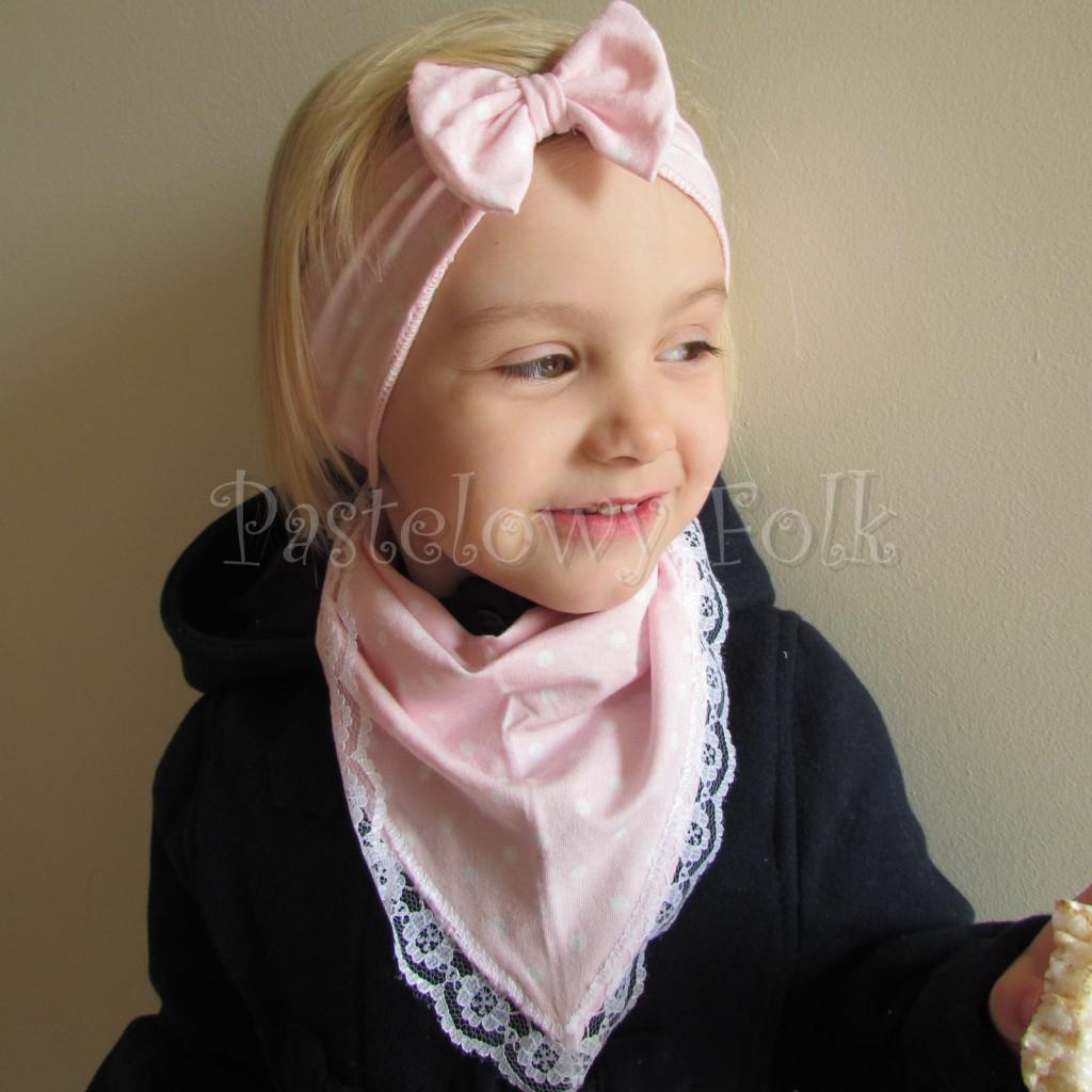 dziecko-opaska 24- dla dziewczynki różowa w białe kropki groszki dzianinowa kokarda -04