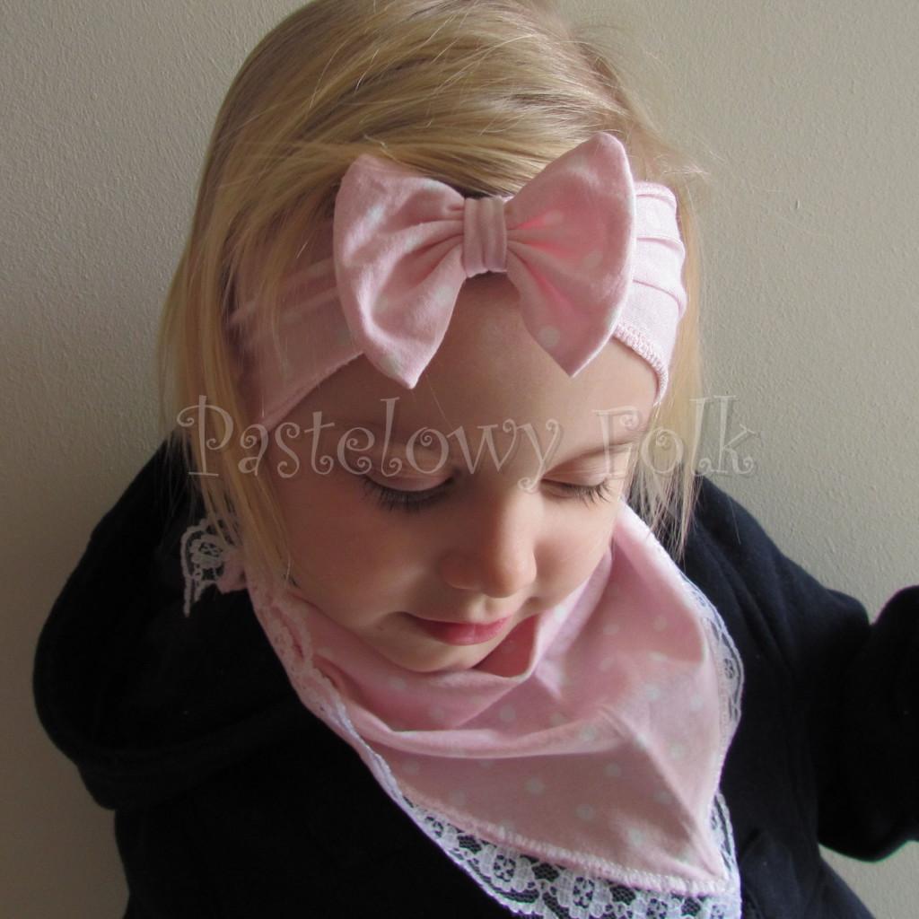 dziecko-opaska 24- dla dziewczynki różowa w białe kropki groszki dzianinowa kokarda -06