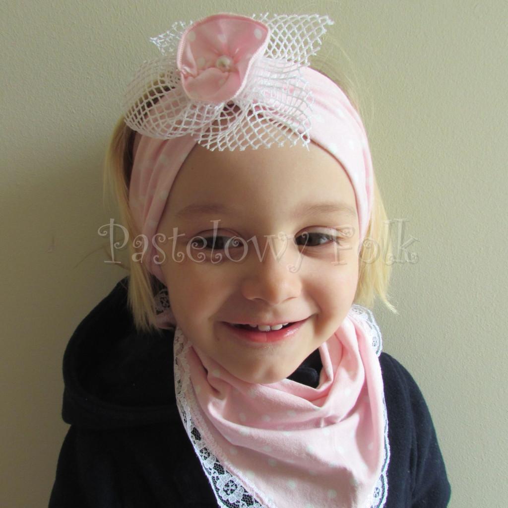 dziecko-opaska  25- dla dziewczynki różowa w białe kropki groszki dzianinowa kwiatek ażurowy -03