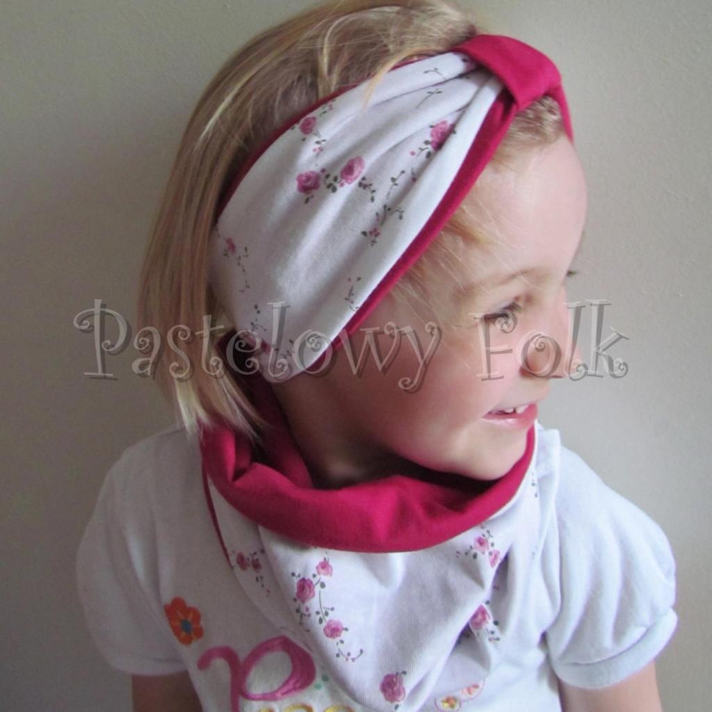 dziecko-opaska  26C- dla dziewczynki komin, biała w różyczki, ciemny różowy pasek, wiosenna letnia, dzianinowa -04
