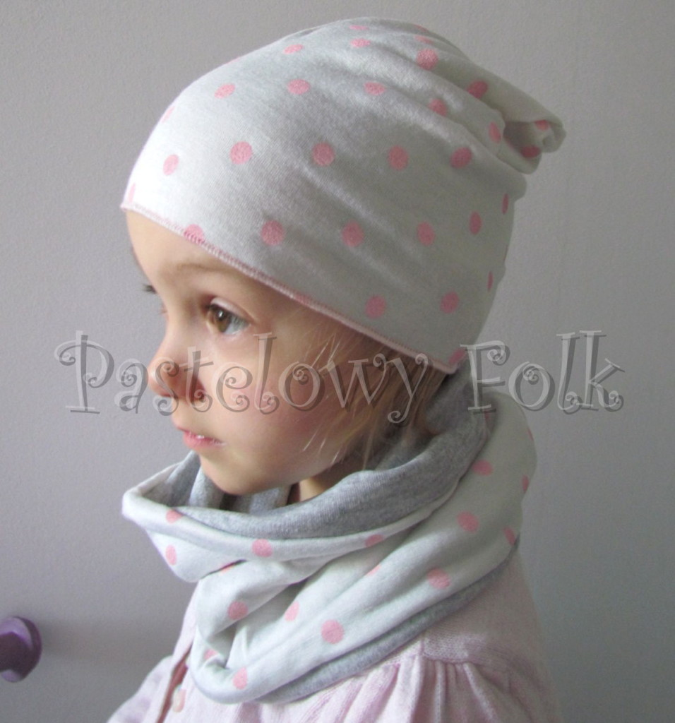 rp_dziecko-czapka-76-komin-opaska-komplet-biała-ecru-w-różowe-kropki-grochy-szara-01-956x1024.jpg