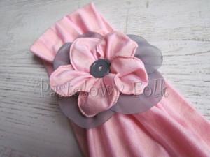 dziecko-opaska 38- rozowa wiosenna łososiowa kwiat retro szary guzik-03