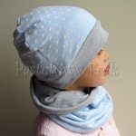 dziecko-czapka 100-dzianinowa dwustronna szara, blekitna niebieska w kropki, komplet komin-02