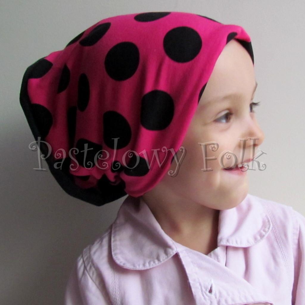 dziecko-czapka 101-dzianinowa rozowa w grochy, grafitowa, fuksja, komplet komin-06