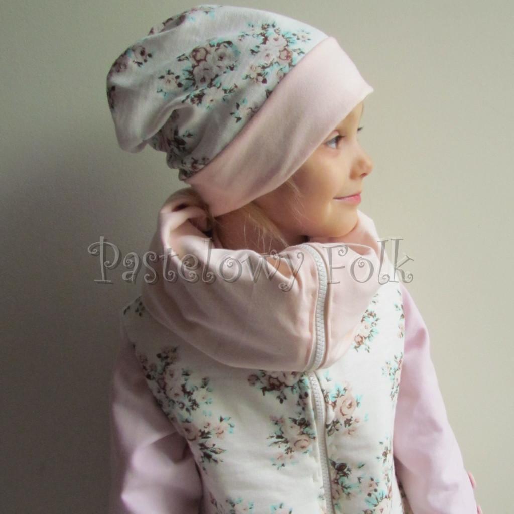 dziecko-czapka 113- dla dziewczynki pastelowa jasna brzoskwiniowa lososiowa, ecru w mietowe brazowe rozyczki, komplet komin -03