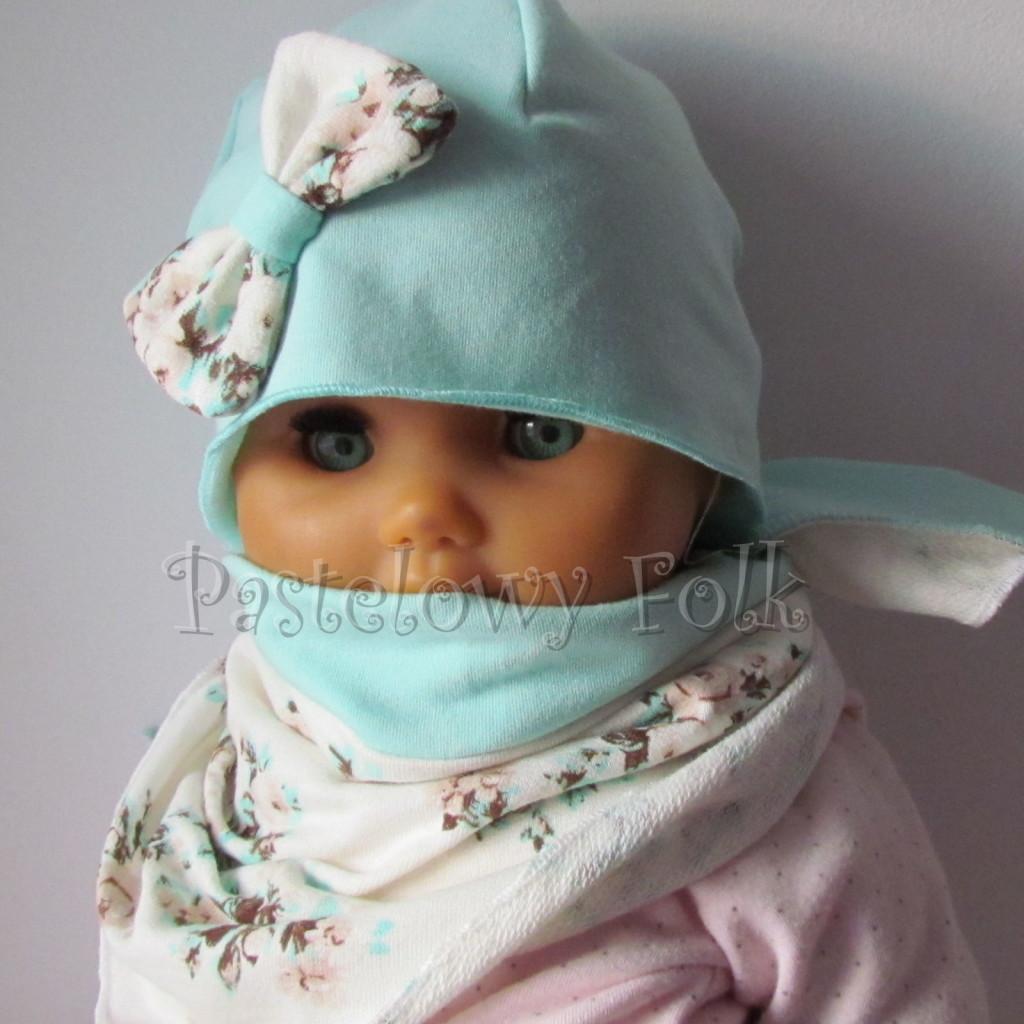 dziecko-czapka 114- mietowa z pastelowa kokarda ecru w mietowe brazowe rozyczki, komplet komin chustka -02
