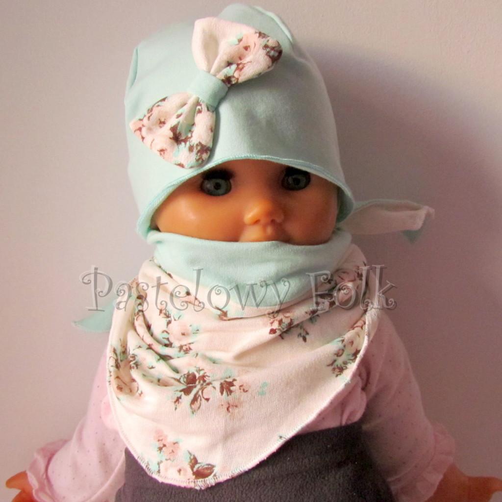 dziecko-czapka 114- mietowa z pastelowa kokarda ecru w mietowe brazowe rozyczki, komplet komin chustka -03