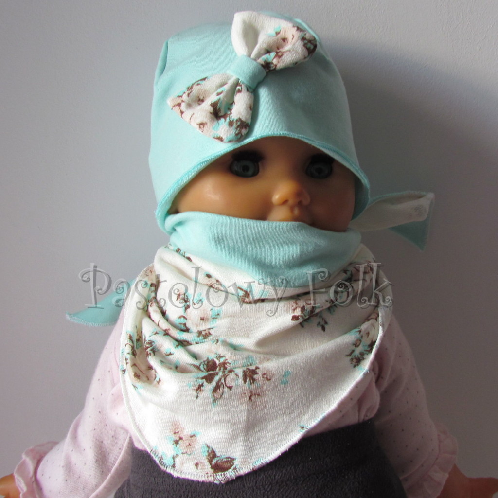 dziecko-czapka 114- mietowa z pastelowa kokarda ecru w mietowe brazowe rozyczki, komplet komin chustka -04