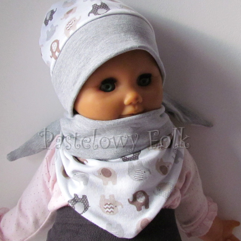 dziecko-czapka 115- szara biala w brazowe i szare sloniki, dzianinowa niemowleca slonie -03
