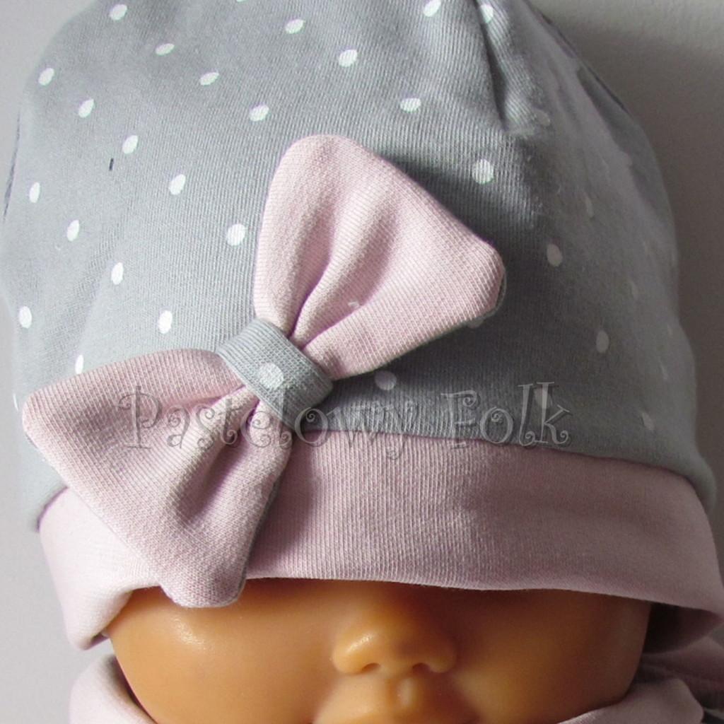 dziecko-czapka 119- brudny roz szary w biale kropeczki, kokardka dzianinowa -02