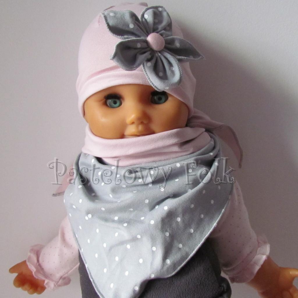 dziecko-czapka 120- brudny roz szary kwiat w biale kropeczki, dzianinowa niemowleca -01