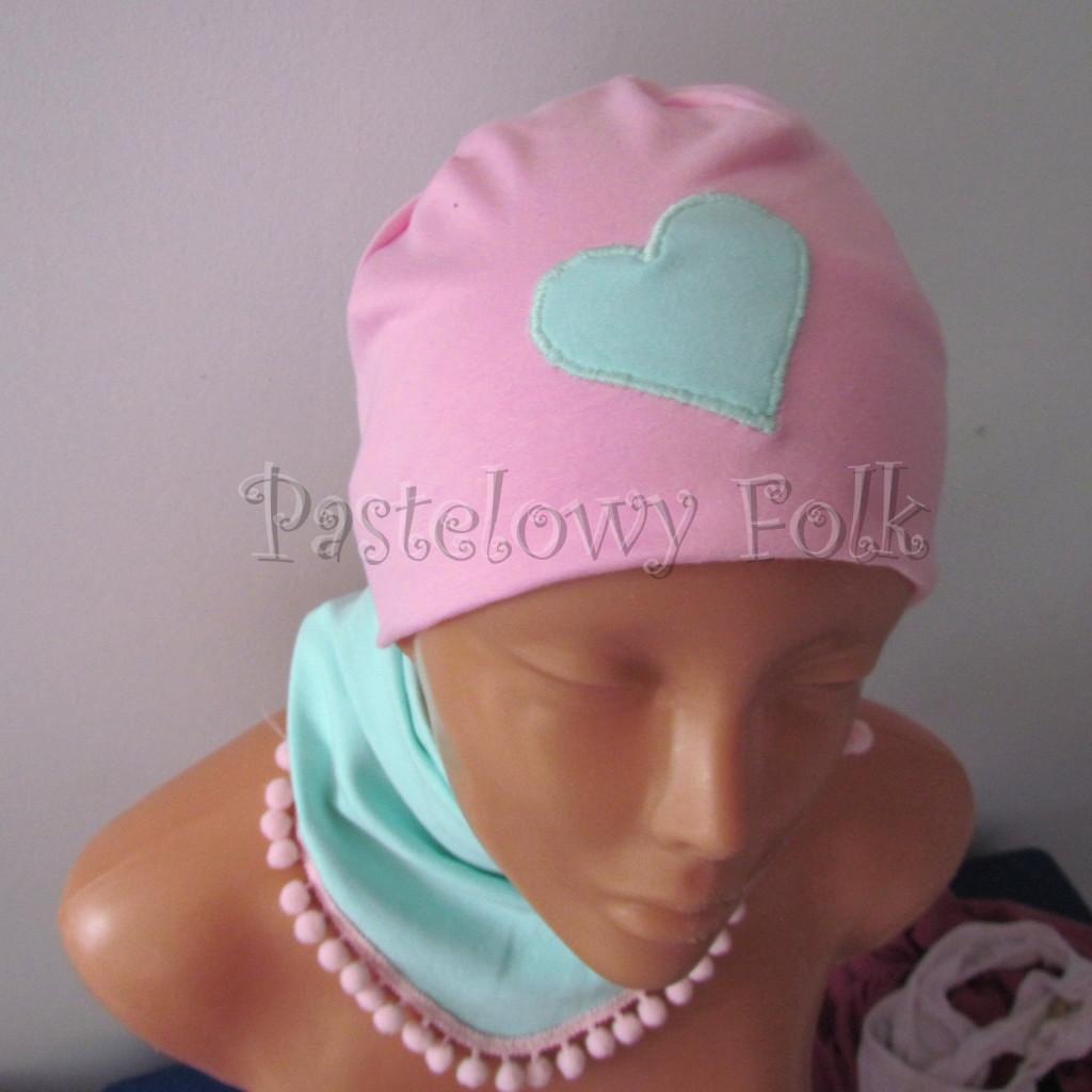 dziecko-czapka 125- rozowa mietowe serduszko dzianinowa -01