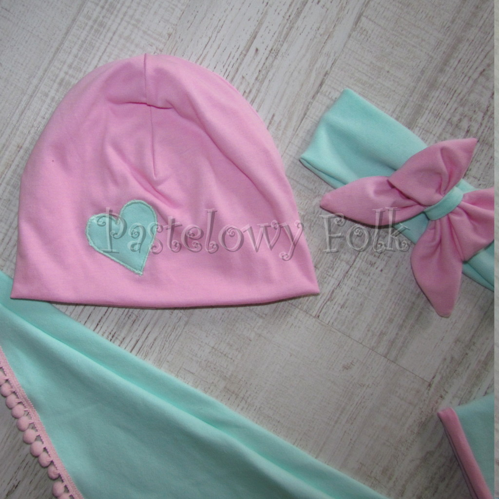 dziecko-czapka 125- rozowa mietowe serduszko dzianinowa -04
