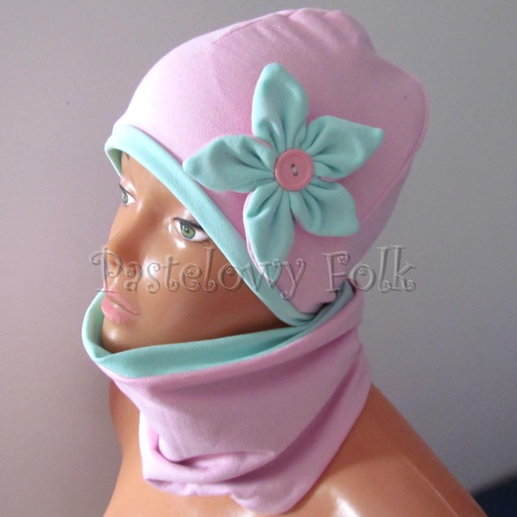 dziecko-czapka 127- rozowa z mietowym kwiatkiem i guzikiem -02