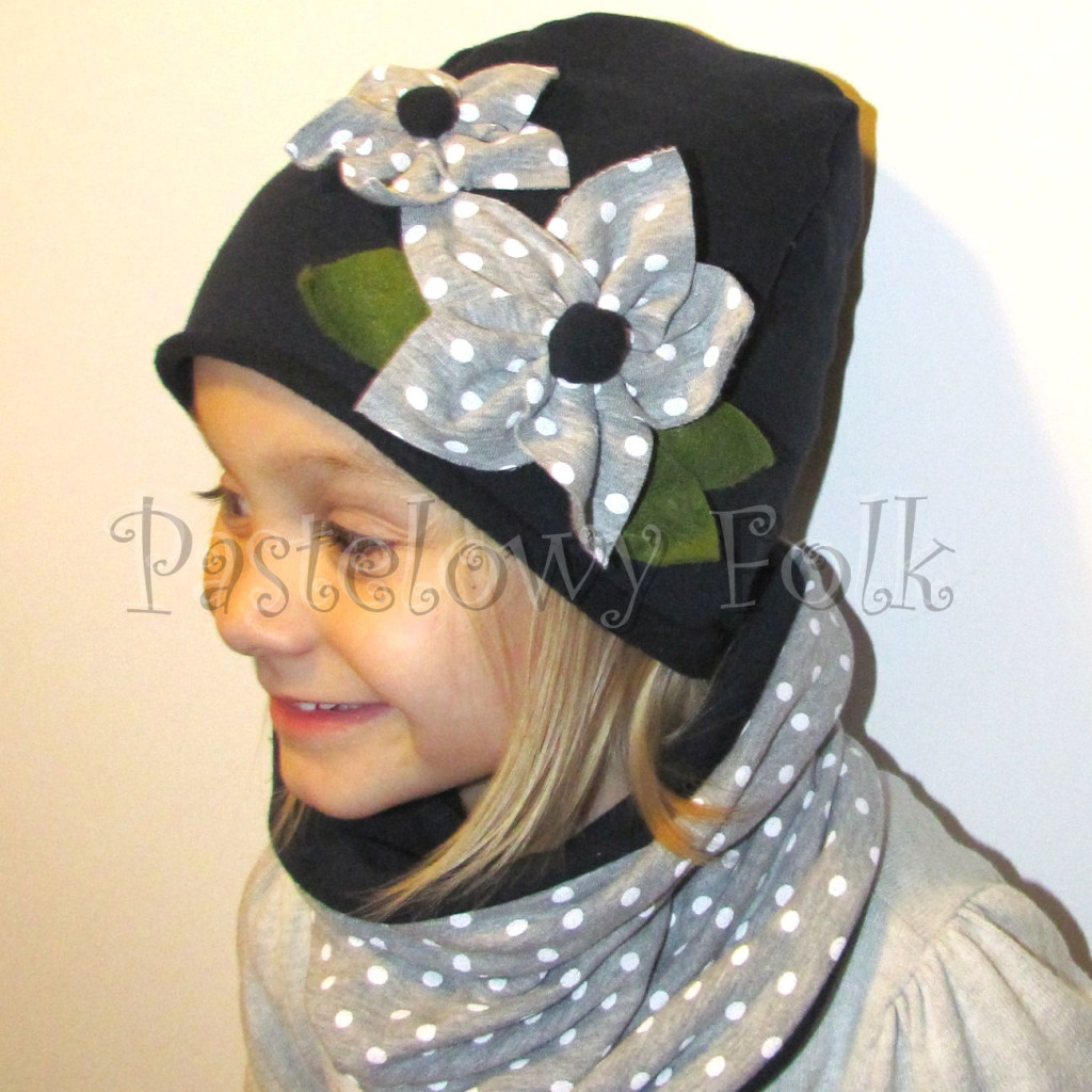 dziecko-czapka 76- komin opaska komplet, granatowa z szarymi kwiatami w biale kropki grochy, retro kwiatki-02