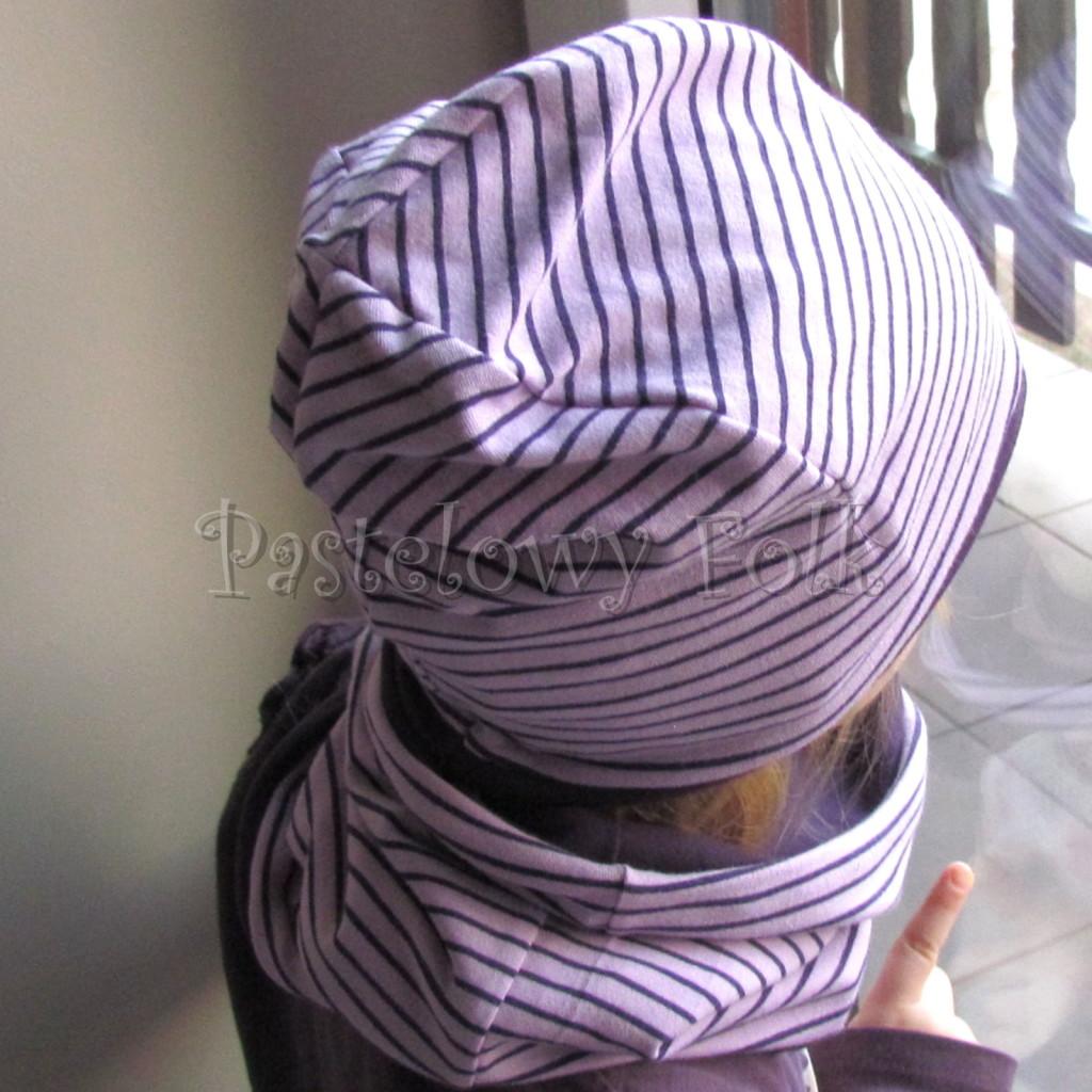 dziecko-czapka 99b-fioletowa liliowa w paski z kokardką,dzianinowa dwustronna komplet komin-03