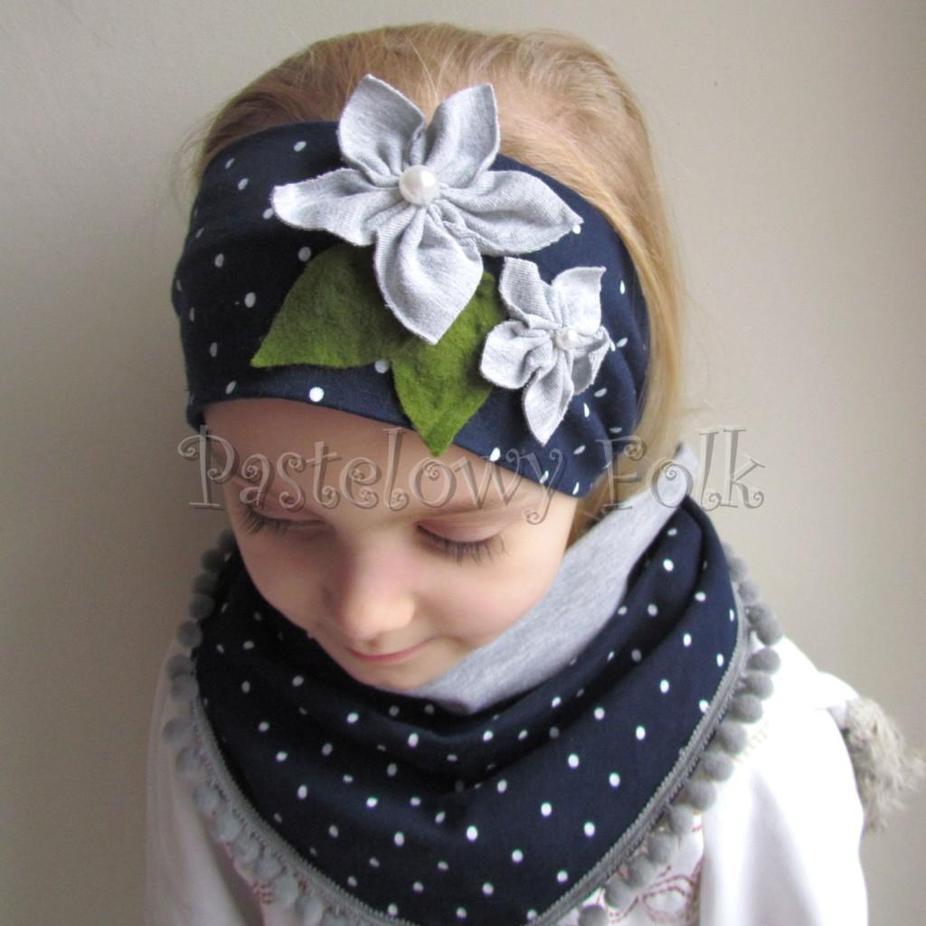 dziecko-opaska 17- dla dziewczynki granatowa retro w białe kropki kropeczki groszki kwiat kwiatki szare, perełki listki-07