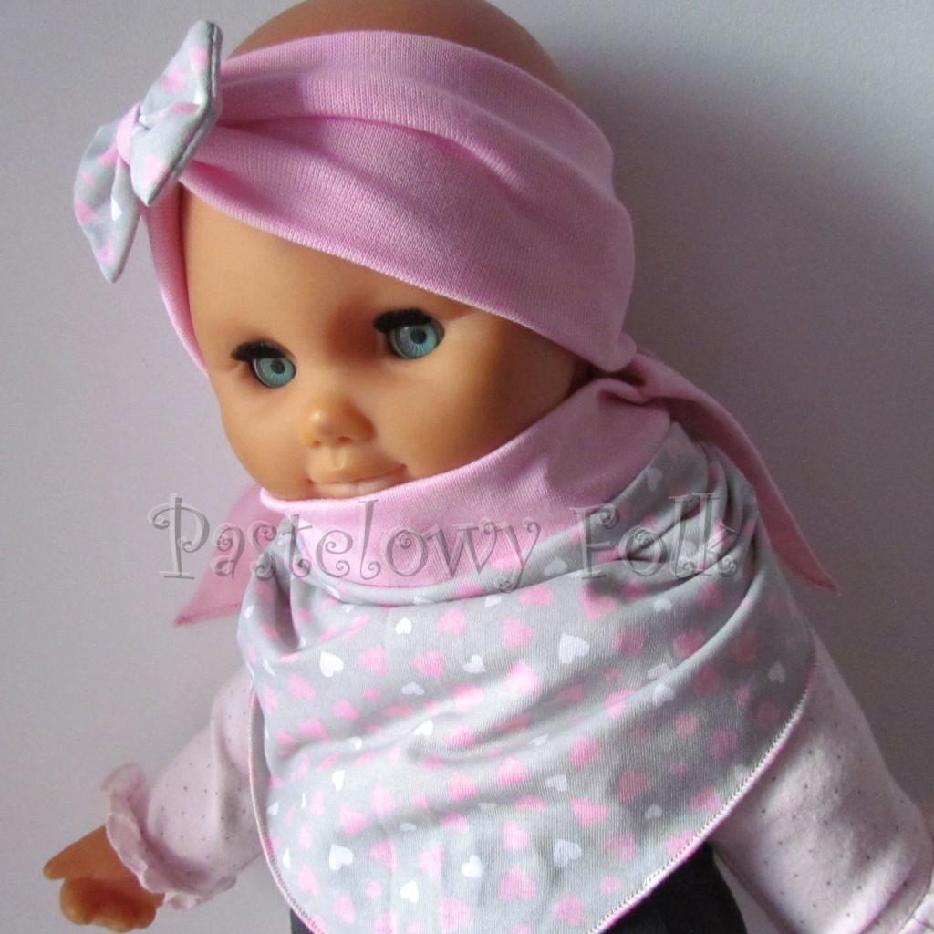 dziecko-opaska 48b- rozowa z szara kokarda w różowe i białe serduszka, komplet chustka -02
