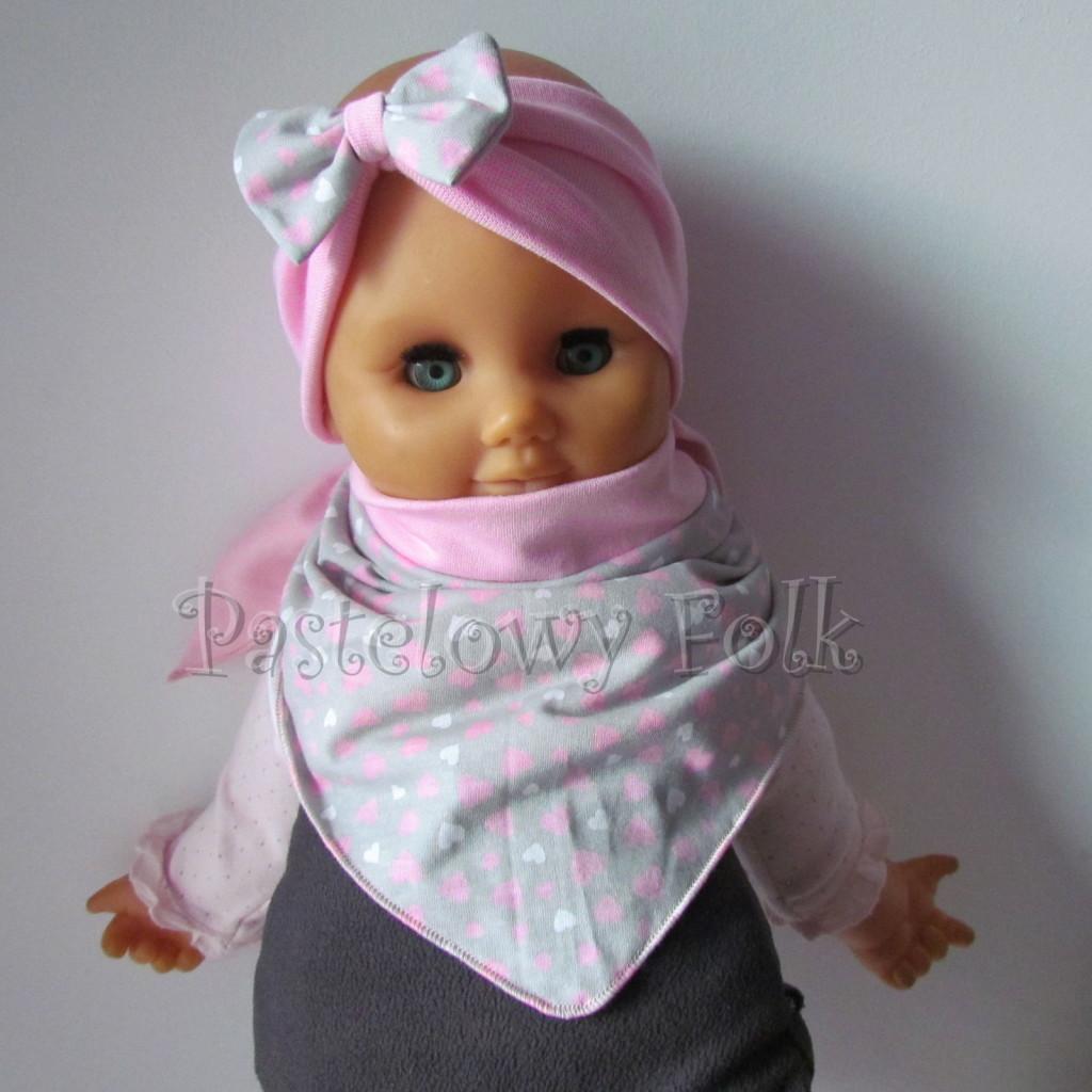dziecko-opaska 48b- rozowa z szara kokarda w różowe i białe serduszka, komplet chustka -04
