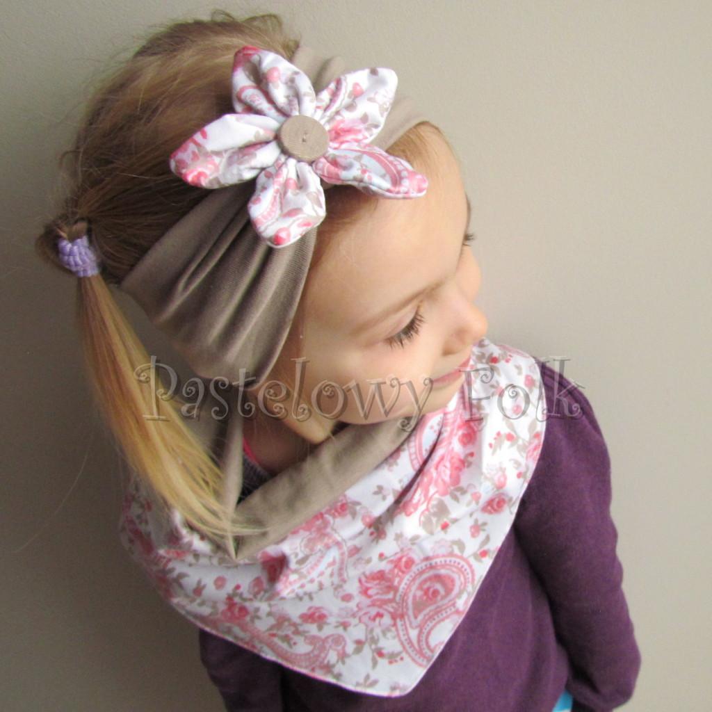 dziecko-opaska 53b- bezowa z bialym kwiatkiem w turecki wzor rozowy,komplet chusteczka -02