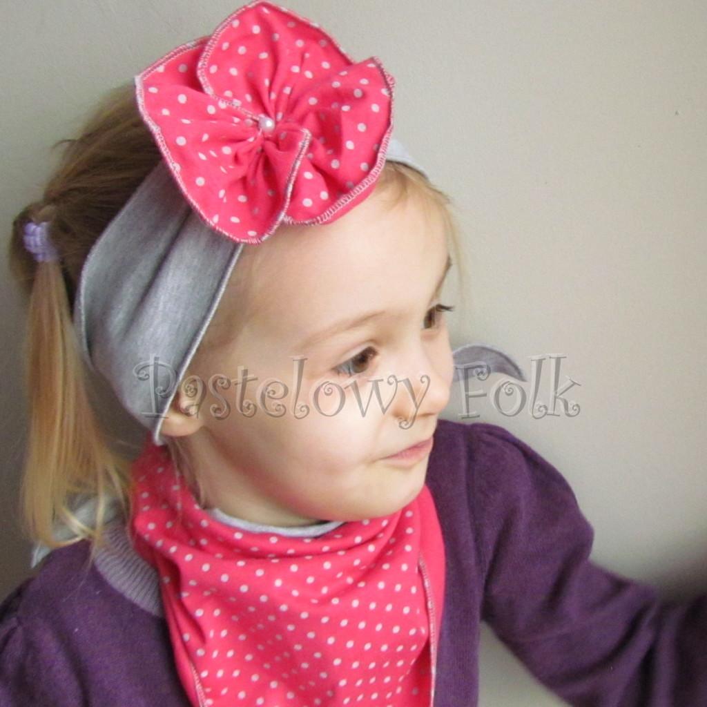 dziecko-opaska 57b- szara z toczkiem marszczonym kwiatkiem różowym w kropki, chusteczka komplet -09