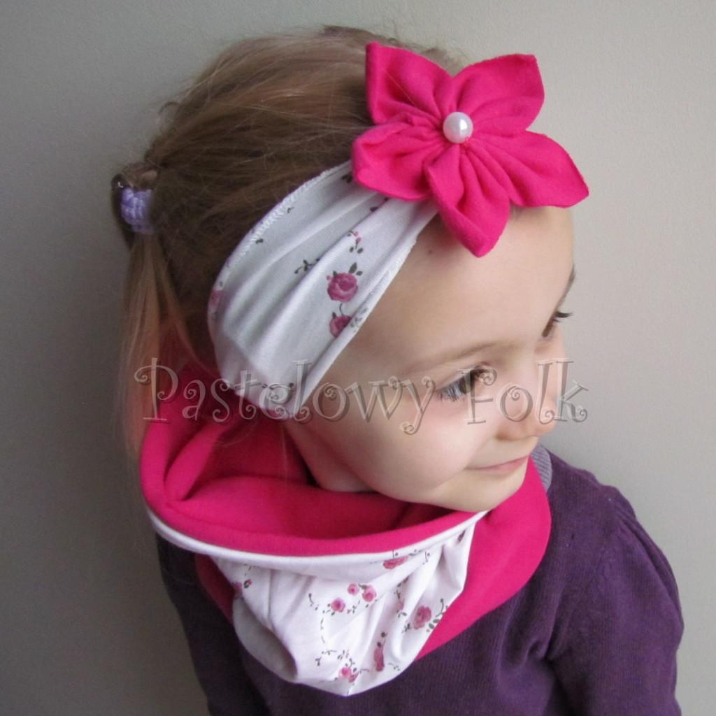 dziecko-opaska 62c- biala w rozyczki z fuksja rozowym kwiatem, komplet chusteczka-03
