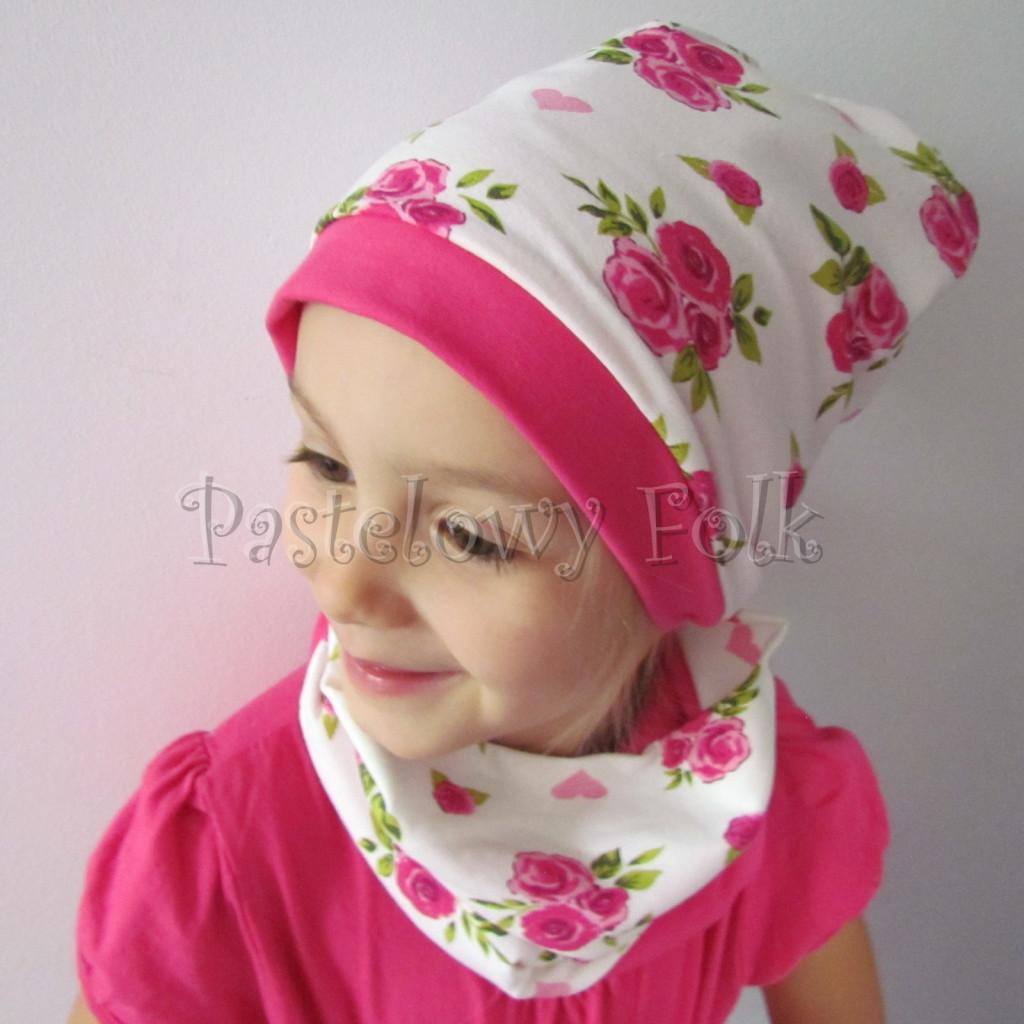 dziecko-czapka-186-biala-w-rozowe-roze-i-listki-fuksja-dwustronna-komplet-komin-01