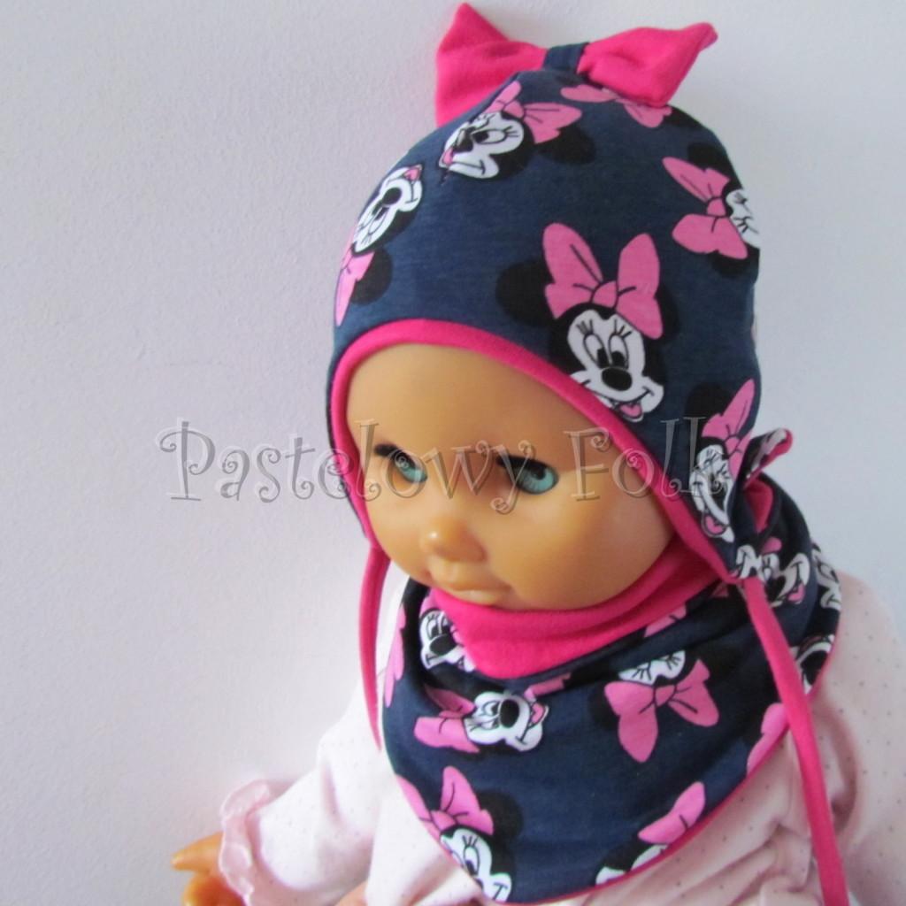 dziecko-czapka-193-granatowa-z-myszka-minnie-i-ciemnorozowa-kokarda-na-czubkufuksja-niemowleca-profilowana-z-troczkami-wiazana-dwuwarstwowa-komplet-chustka-02