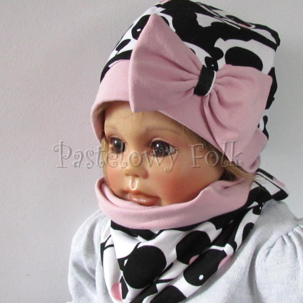 dziecko-czapka-212-bialo-czarne-pandy-z-rozowymi-policzkami-rozowa-duza-kokarda-dresowa-dzianina-komplet-komin-03