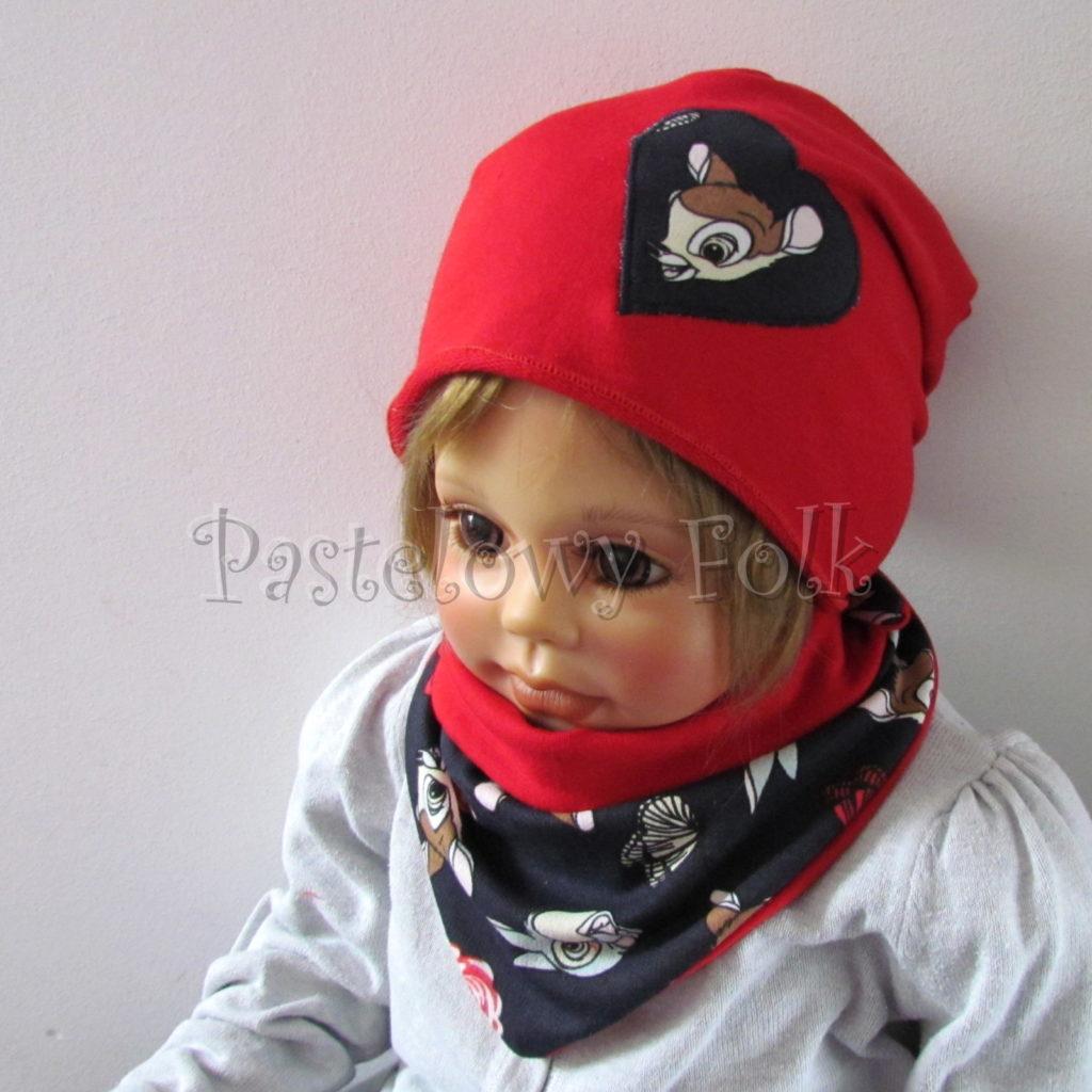 dziecko-czapka-222-czerwona-dresowka-z-sercem-aplikacja-granatowa-z-sarenka-bambi-zajaczek-chustka-02