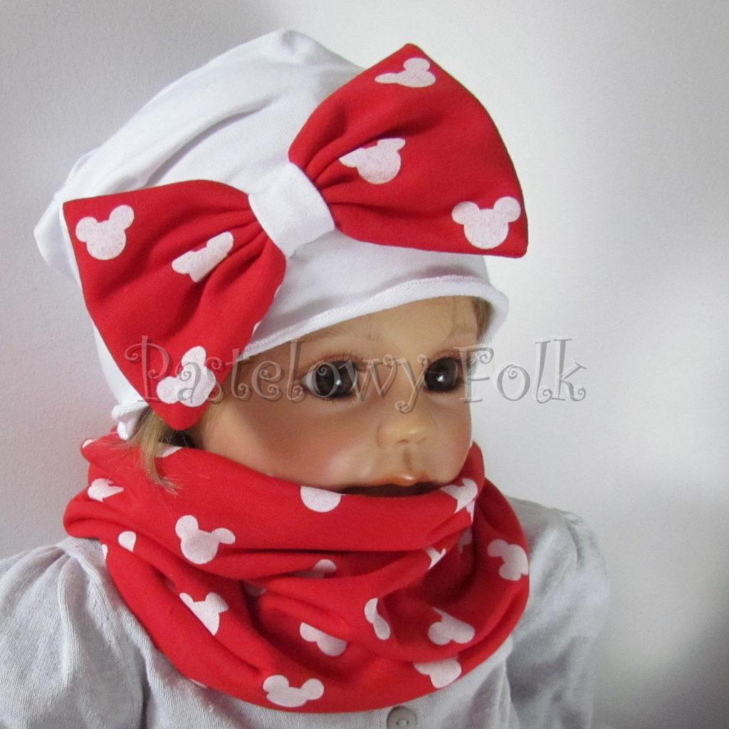 dziecko-czapka-226-biala-z-duza-czerwona-kokarda-w-biale-myszki-minnie-ogromna-komin-chustka-01