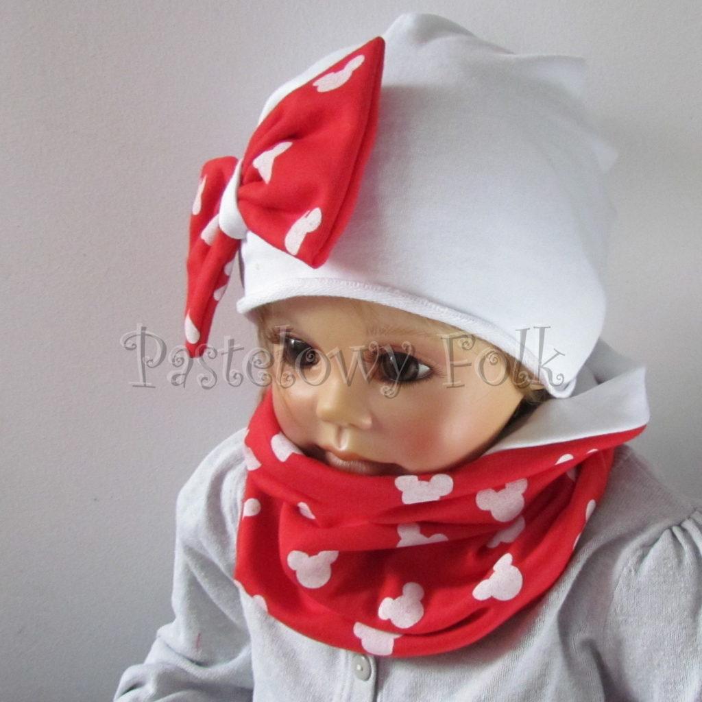 dziecko-czapka-226-biala-z-duza-czerwona-kokarda-w-biale-myszki-minnie-ogromna-komin-chustka-03