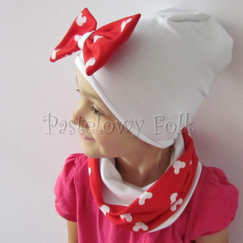 dziecko-czapka-226-biala-z-duza-czerwona-kokarda-w-biale-myszki-minnie-ogromna-komin-chustka-06