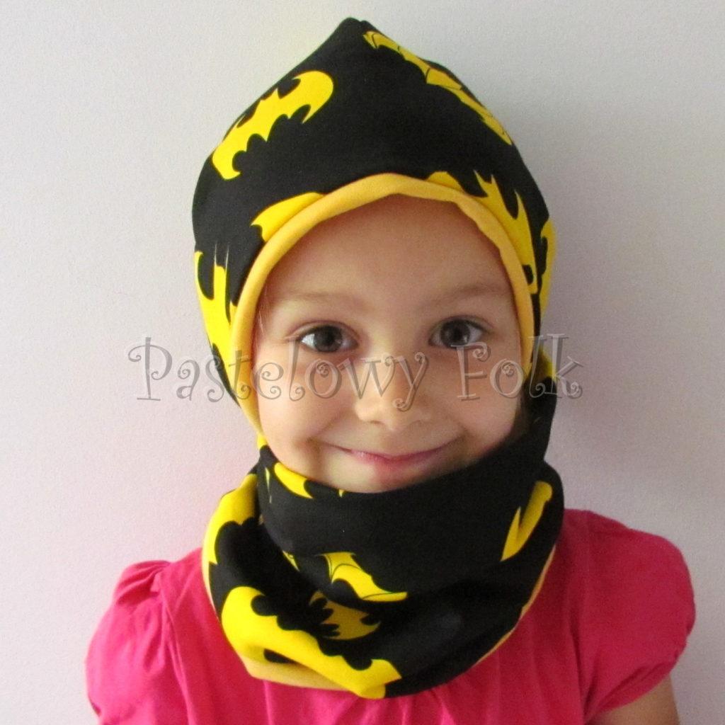 dziecko-czapka-239-czarna-w-zolte-nietoperze-batmandwustronna-jesienna-dresowka-komplet-komin-01