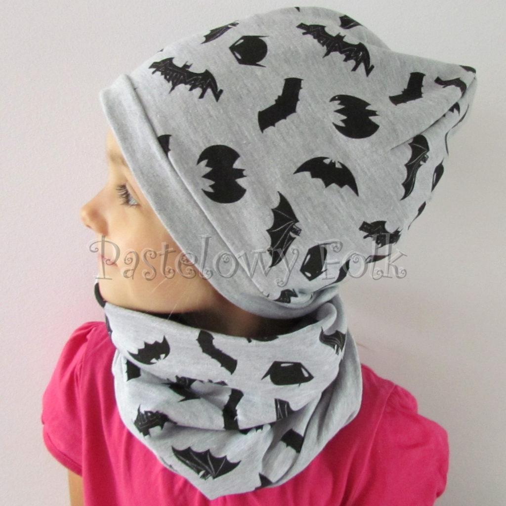 dziecko-czapka-242-szara-czarne-nietoperze-batman-dwustronna-jesienna-dresowka-komplet-komin-04