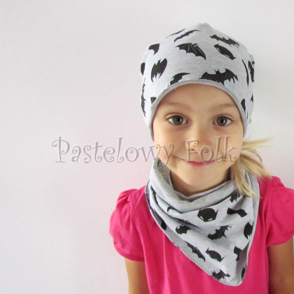 dziecko-czapka-243-szara-czarne-nietoperze-batman-komplet-chustka-01