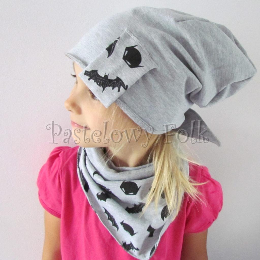 dziecko-czapka-244-szara-beanie-wszywka-czarne-nietoperze-batman-komplet-chustka-03