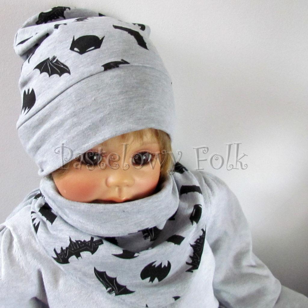 dziecko-czapka-245-szara-czarne-nietoperze-batman-jesienna-dresowka-komplet-komin-01